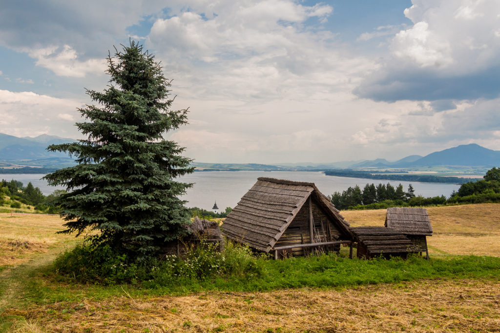 Havranok Celtic houses a